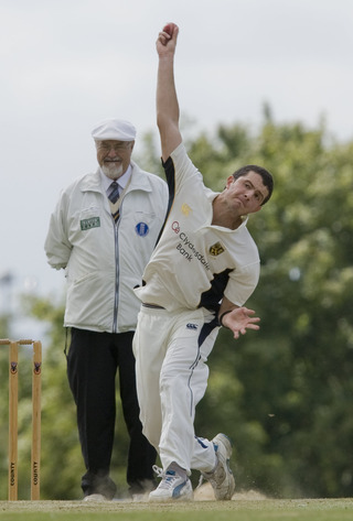 Sam Jones bowls for Cumnor at Horspath