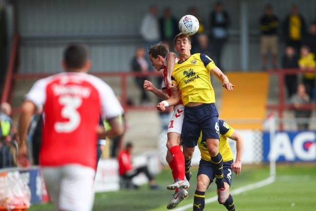 Alex Gorrin wins a header for Oxford United a Fleetwood Town  Picture: Robbie Jay Barratt
