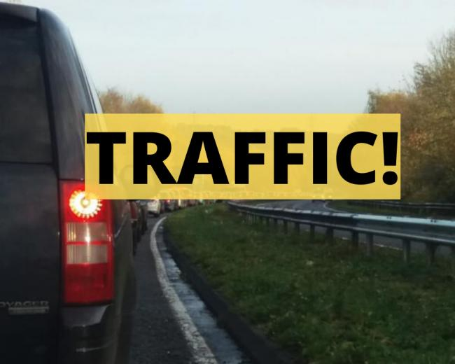 Long queues into Oxford on A420