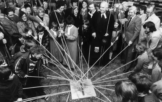 Residents of Oxford 'Beating the Bounds' in May 1978.