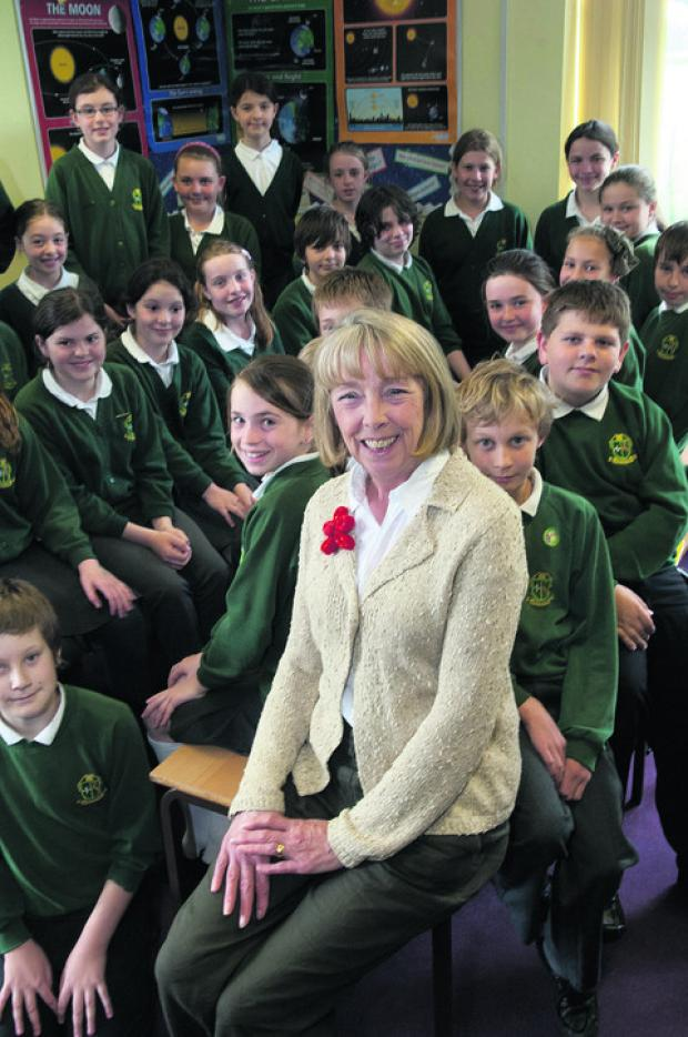 Bicester Advertiser: Teaching assistant Penny Hannigan with pupils from Crowmarsh Gifford Primary School