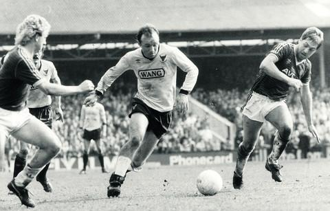 Dave Langan in full flow for Oxford United