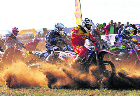 Motocross fans enjoy all-action contest