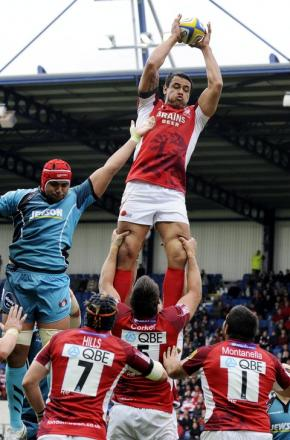 Daniel Browne wins a lineout against Gloucester