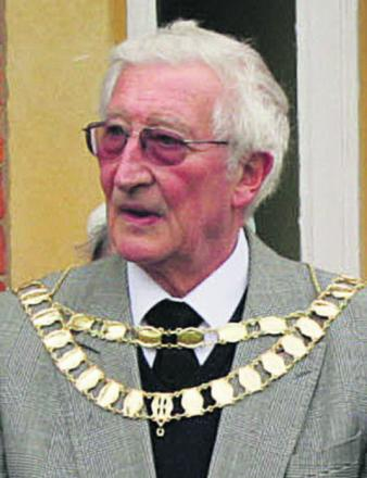 John Cozens wearing the existing chain in 2008