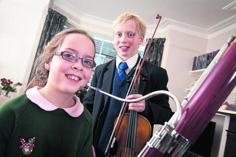 Bicester Advertiser: Flora Woods and Will Rose. Picture: OX56219 Andrew Walmsley