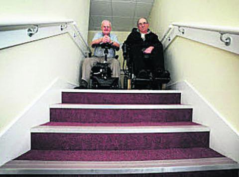 Bicester Advertiser: Maurice Kirby, left, and Robert Light. OX56940