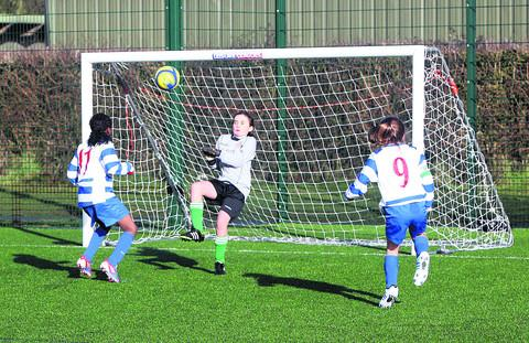 Amanda Osurobo heads in a late winner for Oxford City Under 11s against Kidlington