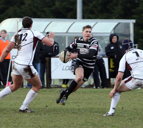Leo Fielding moves from full back to wing for Chinnor
