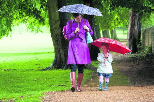 Severe weather warning as heavy rain set to hit Oxfordshire