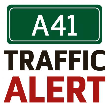 A41 Southbound blocked at Bicester due to broken down lorr