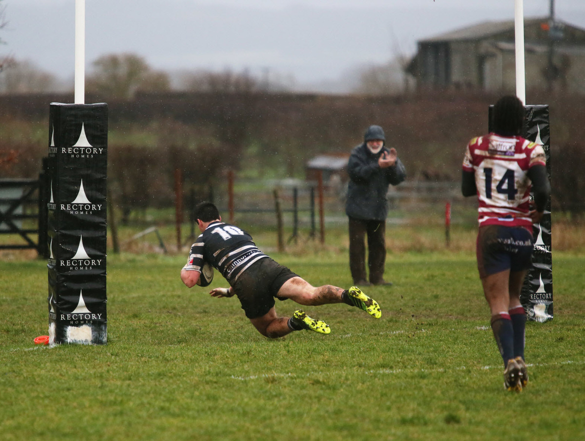 Will Millett scores Chinnor's second try after pouncing on a Shelford mi