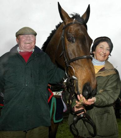 Terry Biddlecombe with Henrietta Knight and Best Mate at West Lockinge after their charge's third Gold Cup success