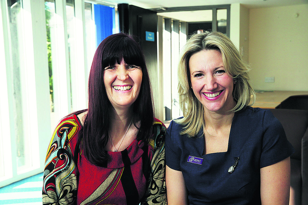 Mechelle Harris, left, and Becky Fletcher, who are starting up The Hummingbird Centre for cancer support in Bicester