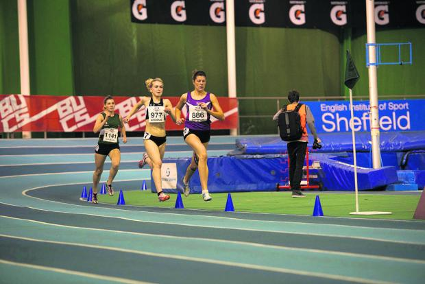 Bicester's Sophie Tyers (right) leads Oxford University's Emily Moss in the 1500m at the BUCS Gatorade Nat