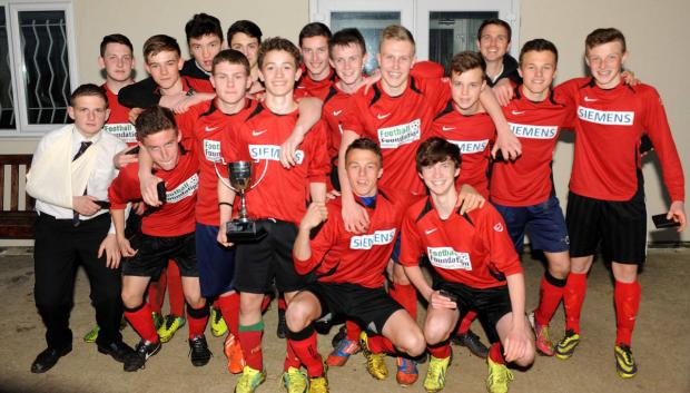 Bicester Advertiser: Henry Box School with the Oxfordshire Under 16 Cup after their penalty shoot-out success