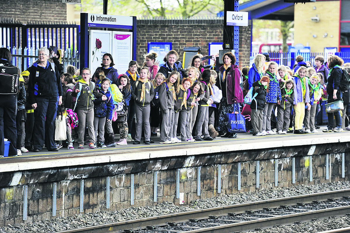 Brownies on the platform at Oxford station