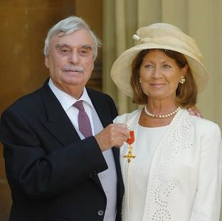 Author Leslie Thomas, with his wife Diana, who has died aged 83.