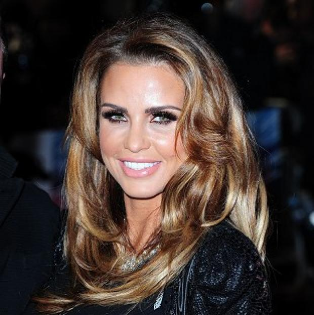 Bicester Advertiser: Pregnant Katie Price told her fans on Twitter that she is getting divorced
