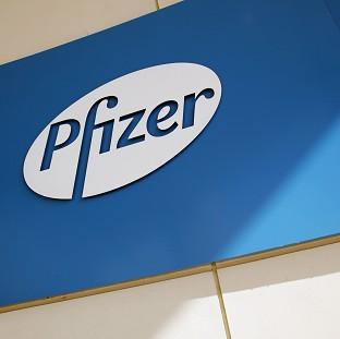 US drugs giant Pfizer has made a final and improved takeover approach for UK rival AstraZeneca