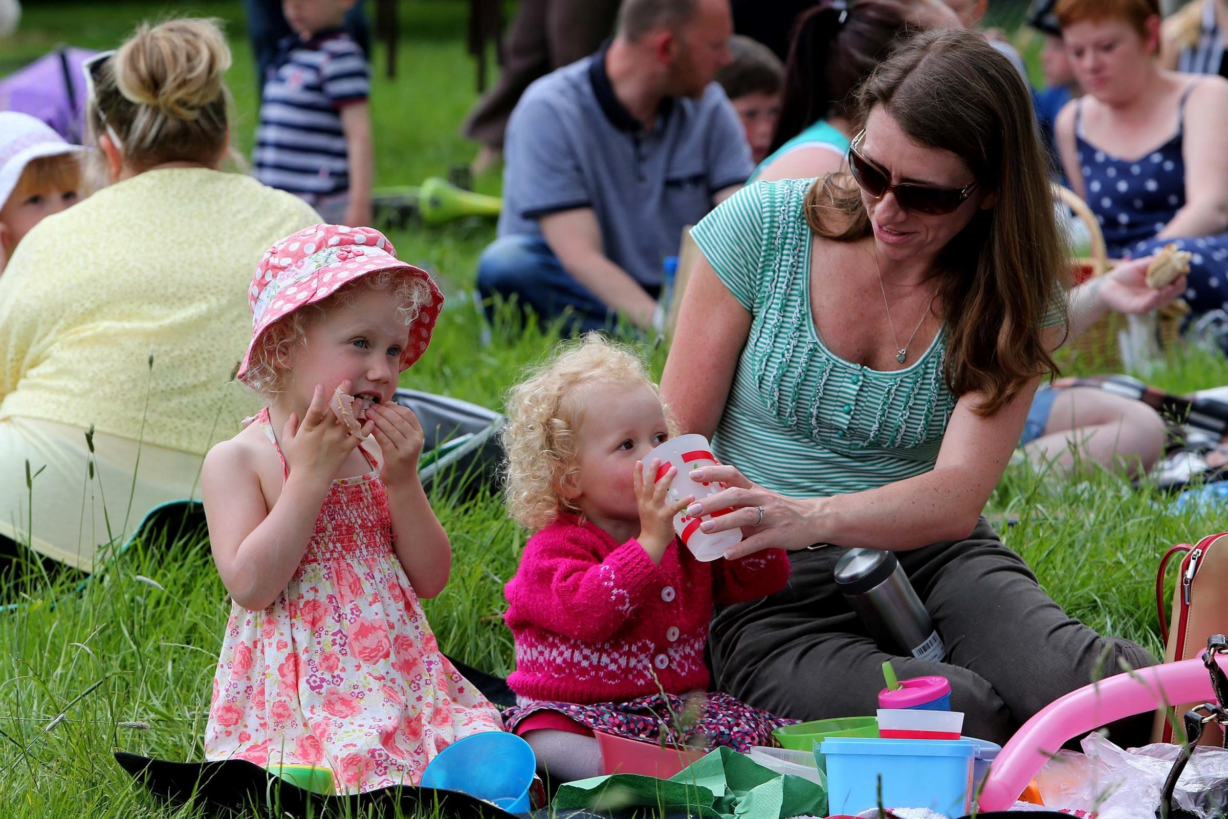 Thousands gather for Big Lunch