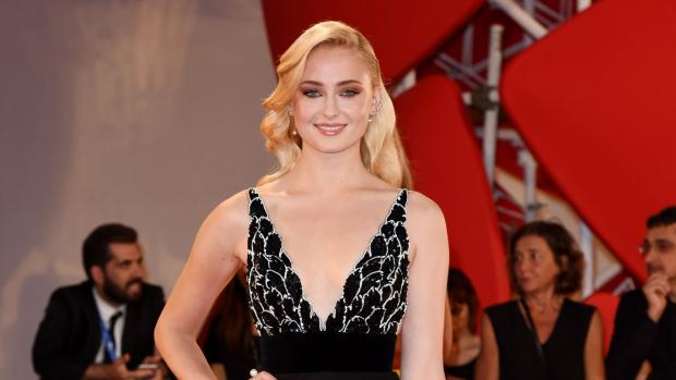 Bicester Advertiser: Venice Film Festival: Game Of Thrones star Sophie Turner sizzles, and Gemma Arterton braves super-risque dress