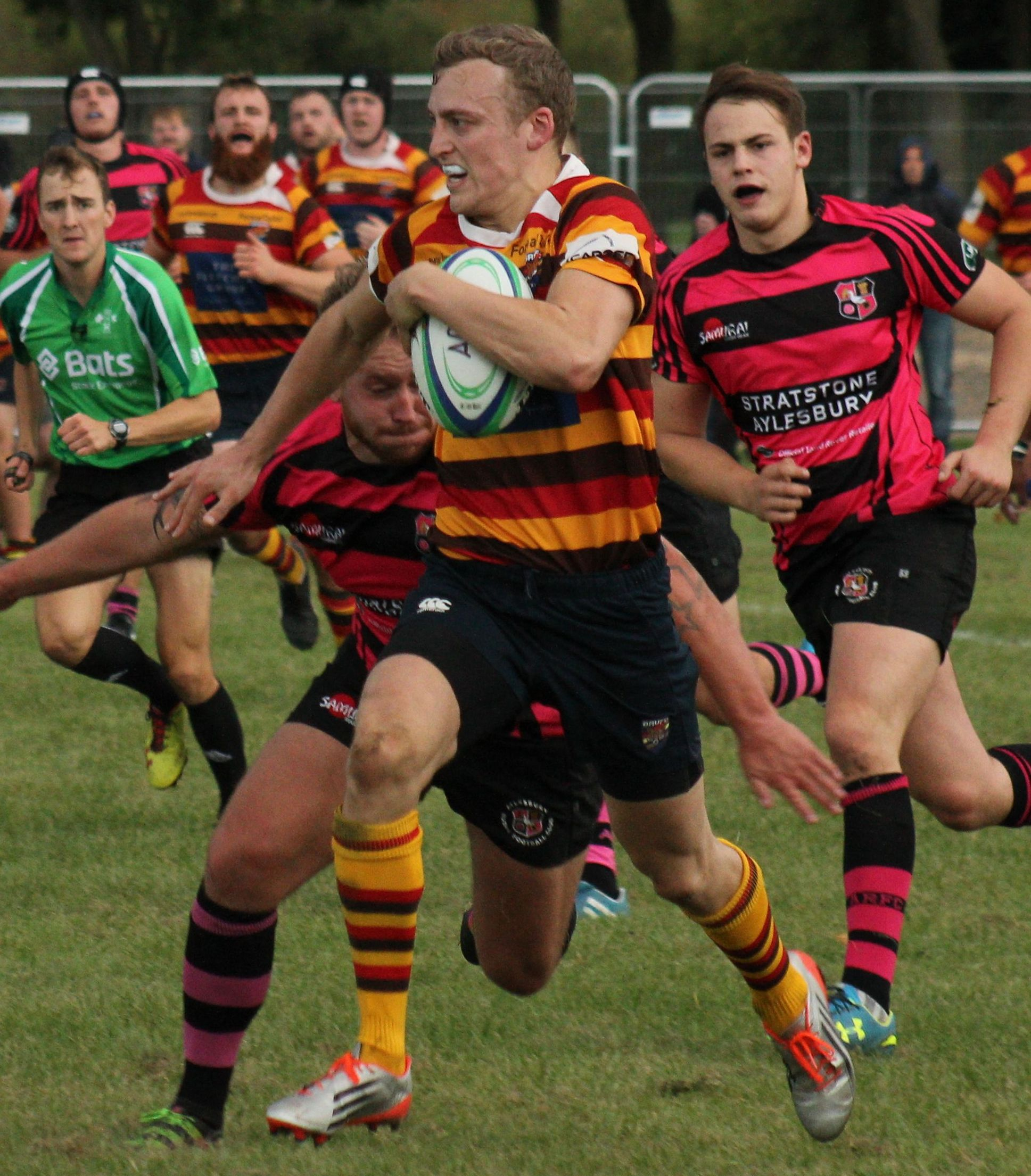 RUGBY UNION: Peter Tarrega in top form as Bicester beat Aylesbury - Bicester Advertiser