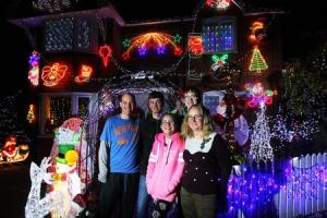 We want to find Oxfordshire's best Christmas lights! Send us pictures of your own winter wonderland