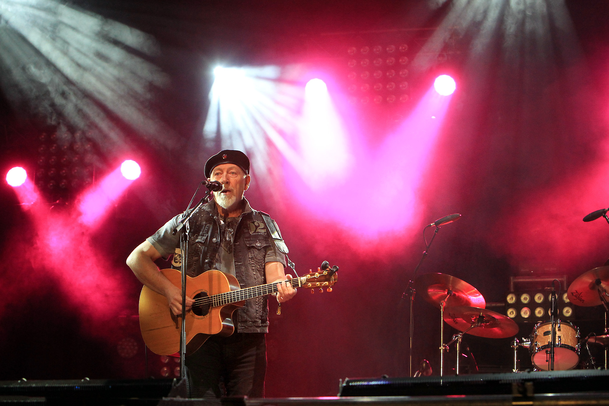 Richard Thompson on stage at Fairport's Cropredy Convention 2017 . Picture: Ric Mellis