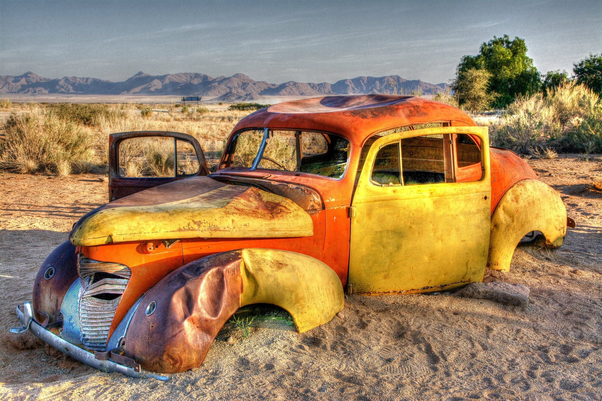 FORGOTTEN: An abandoned car Wendy Meagher came across in Solitaire, Namibia