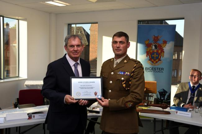 Good Citizen Awards 2018, former town mayor Les Sibley presenting an award to Bicester Garrison Sergeant Major WO1 Lee Davies